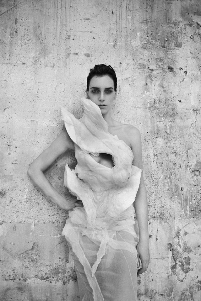 OLIVIER THEYSKENS - SHE WALKS IN BEAUTY до 15 април, Mode Museum, Antwerp