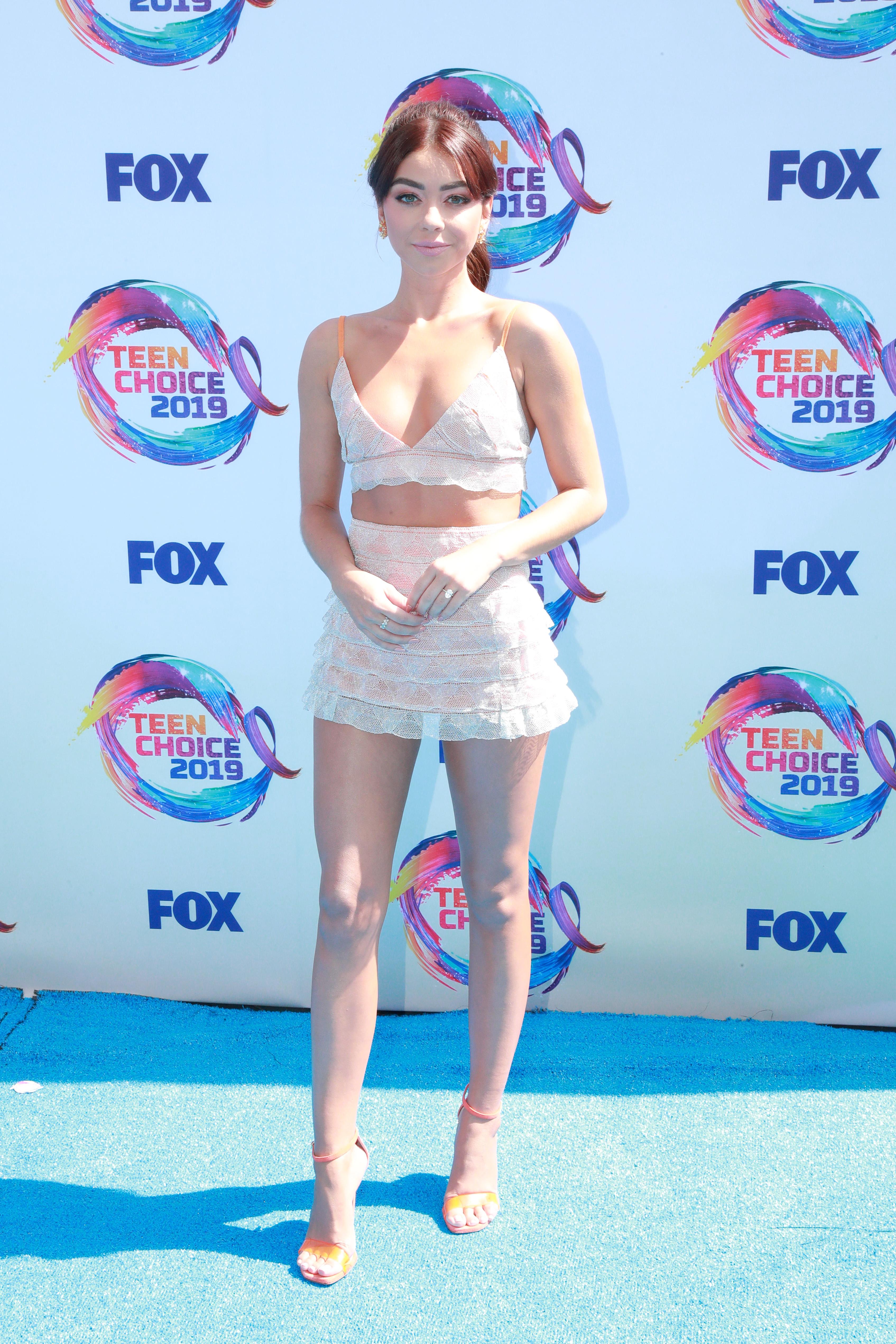 Американската актриса Сара Хайланд продължава да се облича като 15-годишна, дори и отдавна да е подминала тази възраст - в момента е на точно 29, което, поне според нас, изисква малко по-различен аутфит.