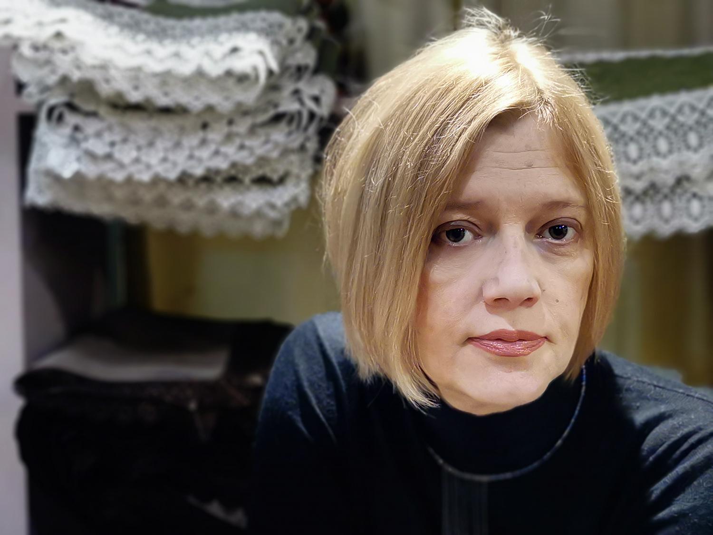 """Мила Искренова, артистичната дама с порцеланова кожа и хореограф на балет """"Арабеск"""": """"Най-силен си, когато разбираш другия в слабостта му и го приемаш такъв, какъвто е."""""""