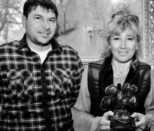 Мария Димитрова Няма как да не отдадем почит на жената, родила един най-великите спортисти на България - Григор, който пък гордо и отново се нарежда сред най-красивите български мъже тази година. Учитела по физкултура и жена за пример, тя никога не пропуска да е до момчето си във важните мигове. Мама си е мама, поклон!