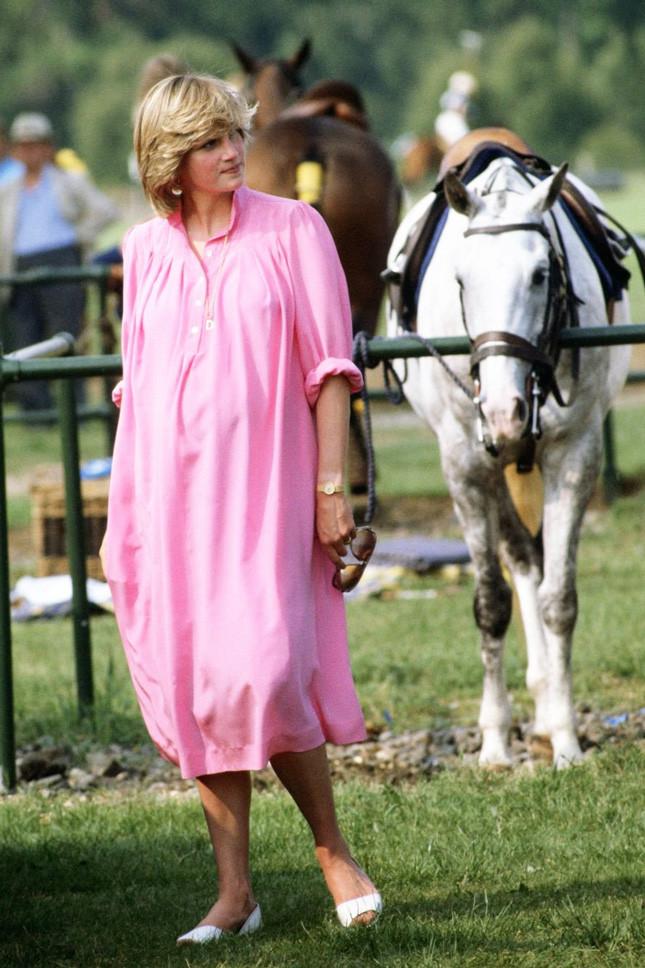Принцеса Даяна, бременна с принц Уилям, в Уиндзор на 4 юни 1982 г.