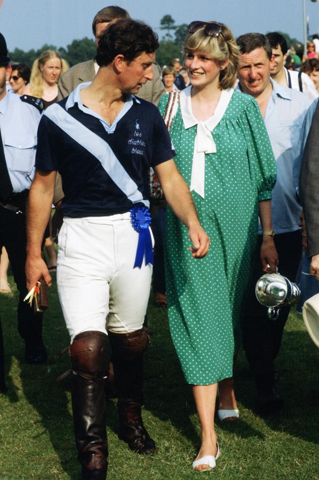 Принцеса Даяна, бременна с принц Уилям, в Уиндзор на 6 юни 1982 г.