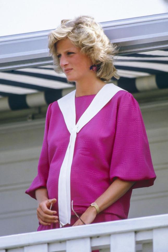 Принцеса Даяна, бременна с принц Хари, в Уиндзор на 29 юли 1984 г.