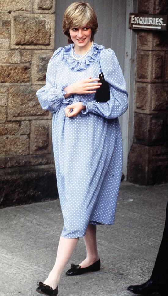 Принцеса Даяна, бременна с принц Уилям, в Сицилия през април 1982 г.