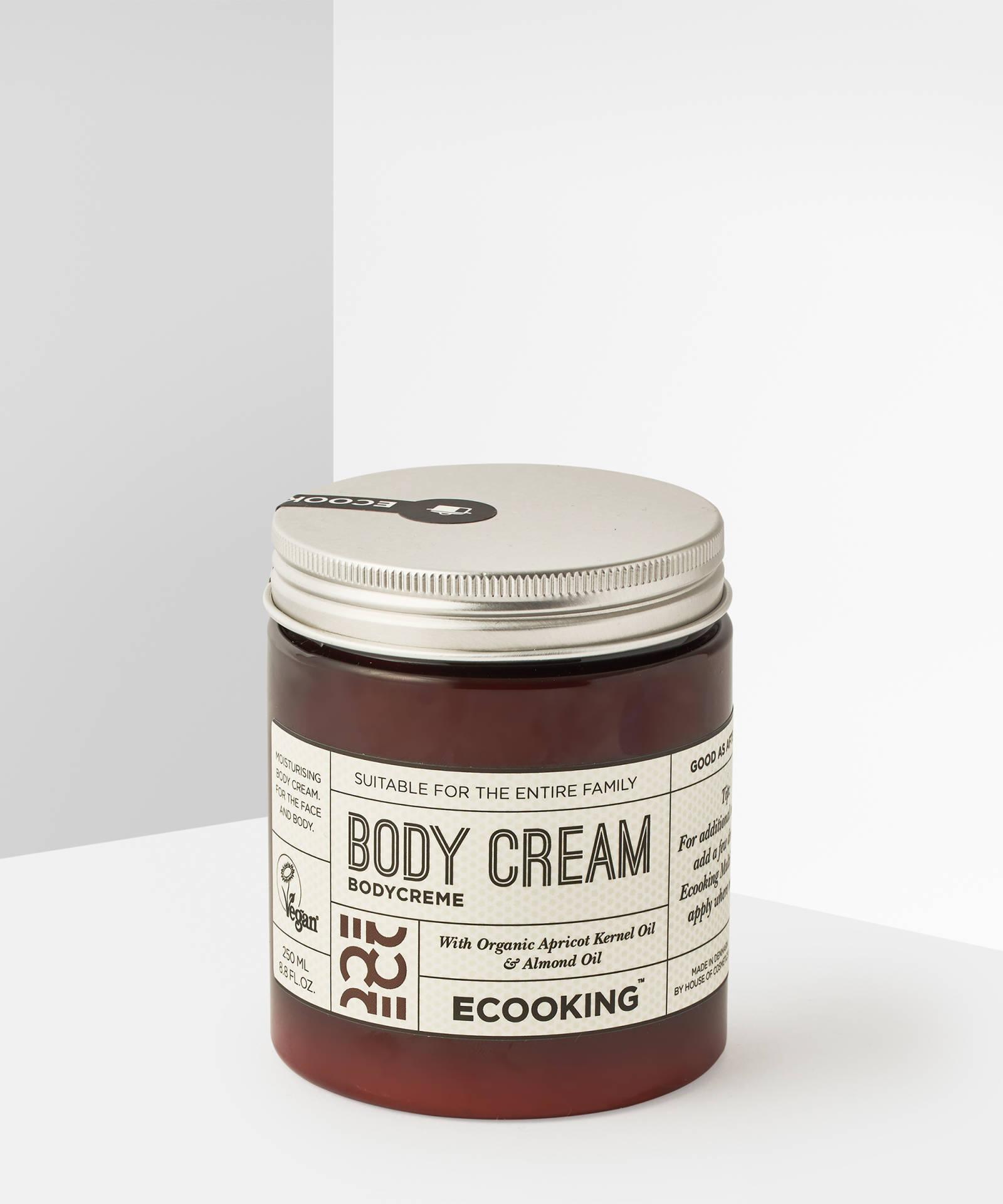 ECooking Body Cream, 54лв./250 ml Богат хидратиращ крем за тяло с аромат на бадеми и праскови. Съставът отново е изцяло органичен и богат на ароматни масла.