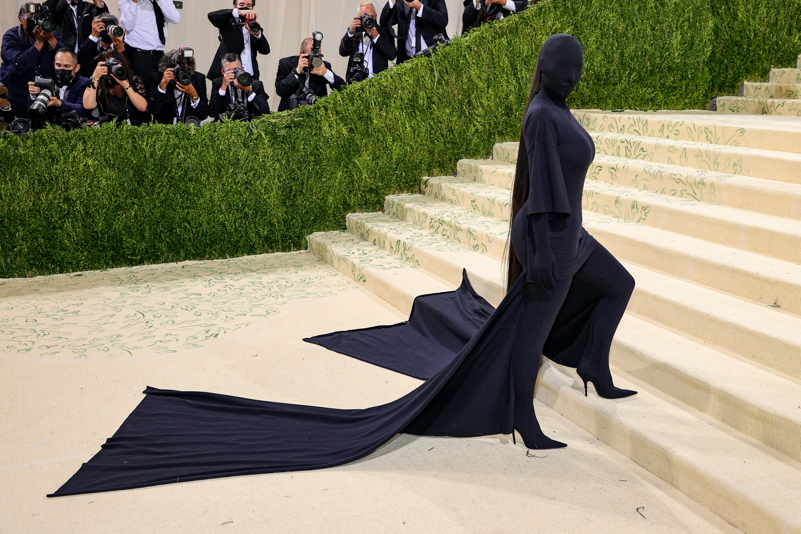Ким Кардашян в Balenciaga