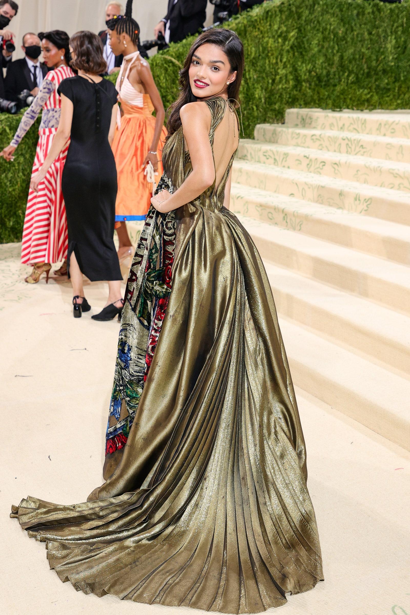 Рейчъл Зеглер в Christian Dior