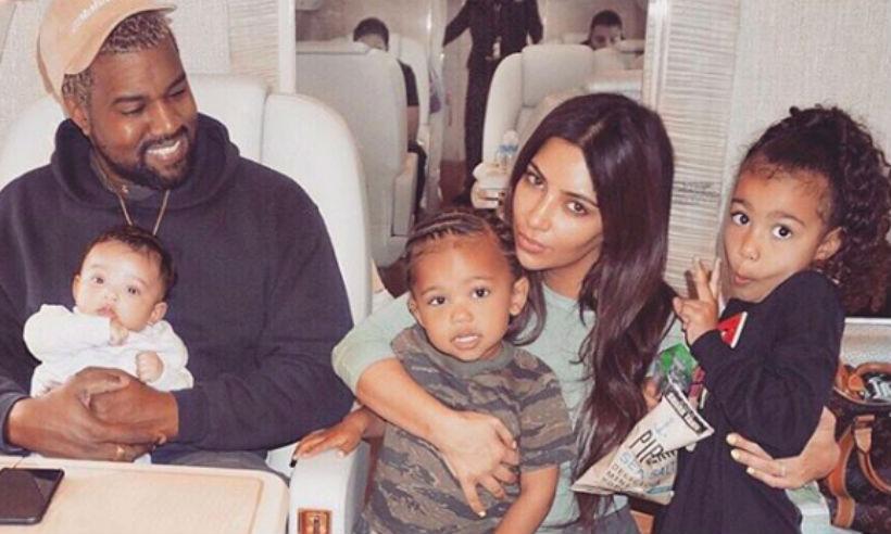 Чикаго Третото дете на Ким Кардашян и Кание Уест се появи на бял свят през януари и то благодарение на сурогатна майка. Бебе Чи се присъедини към сестра си Норт и братчето си Сейнт.