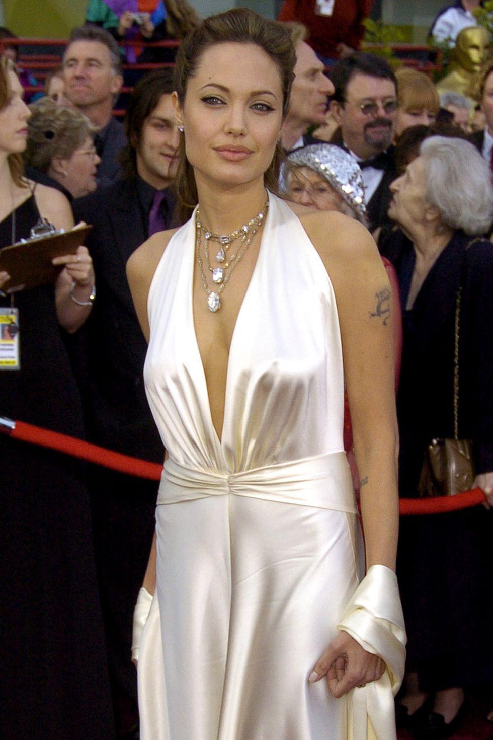 2004 Анджелина Джоли