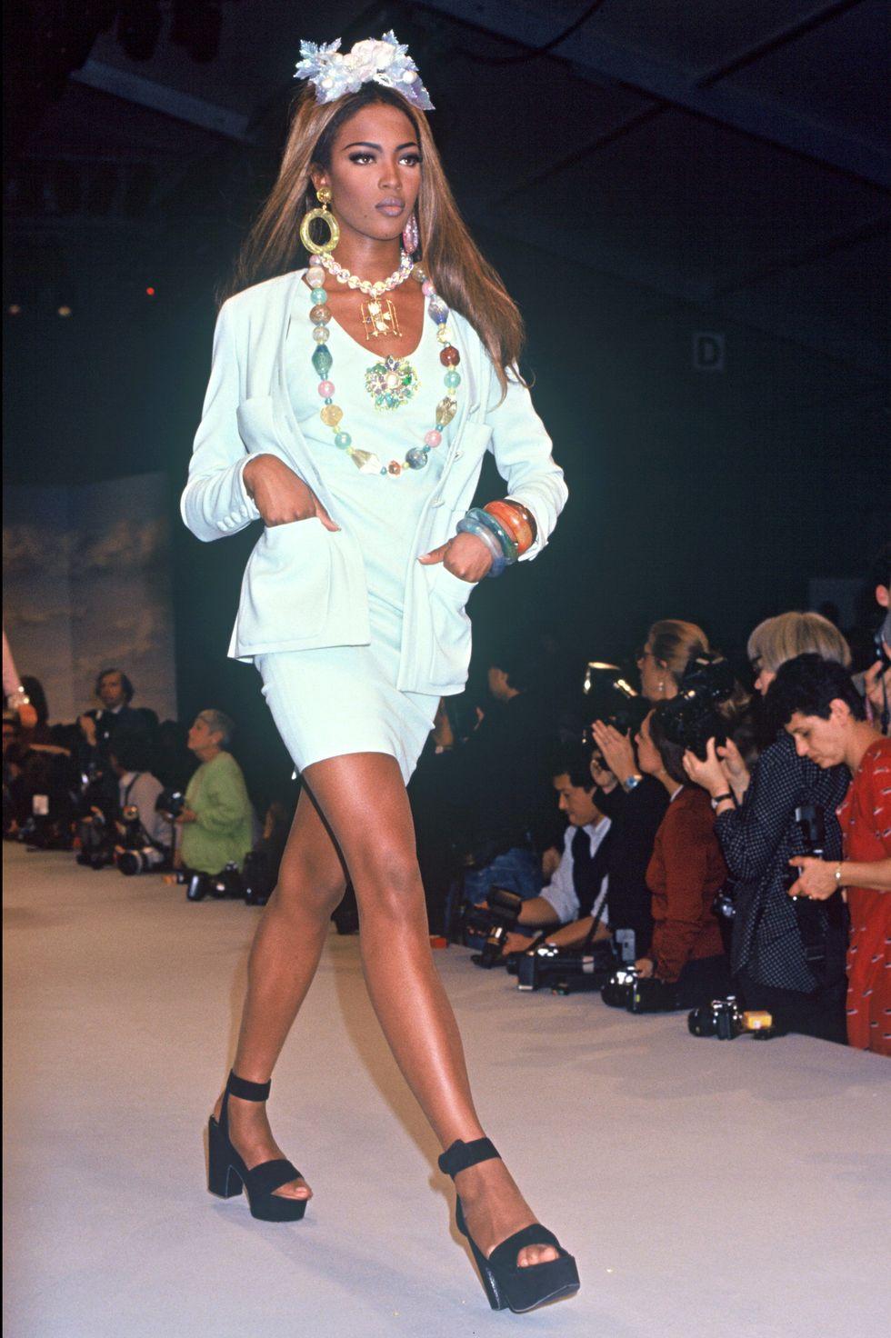 Пролет 1992, Наоми Кембъл
