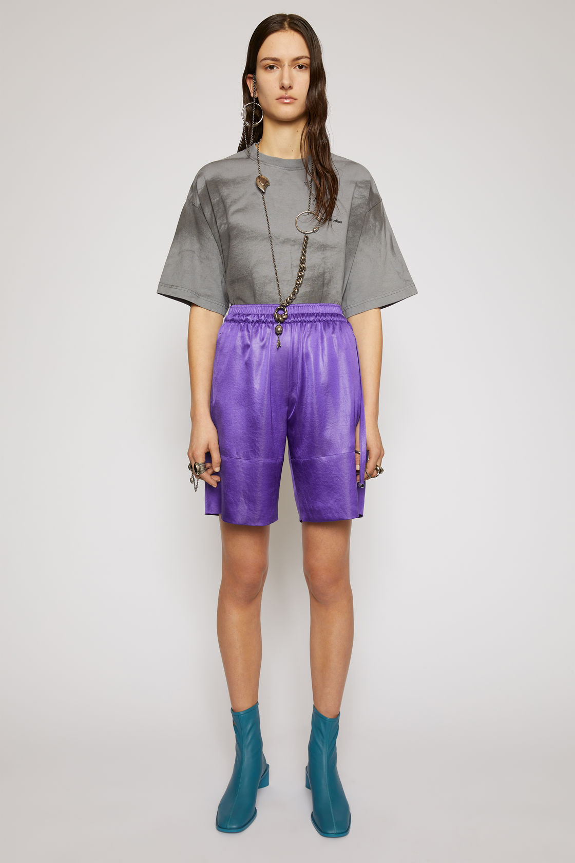 Satin shorts electric purple, за 529лв.