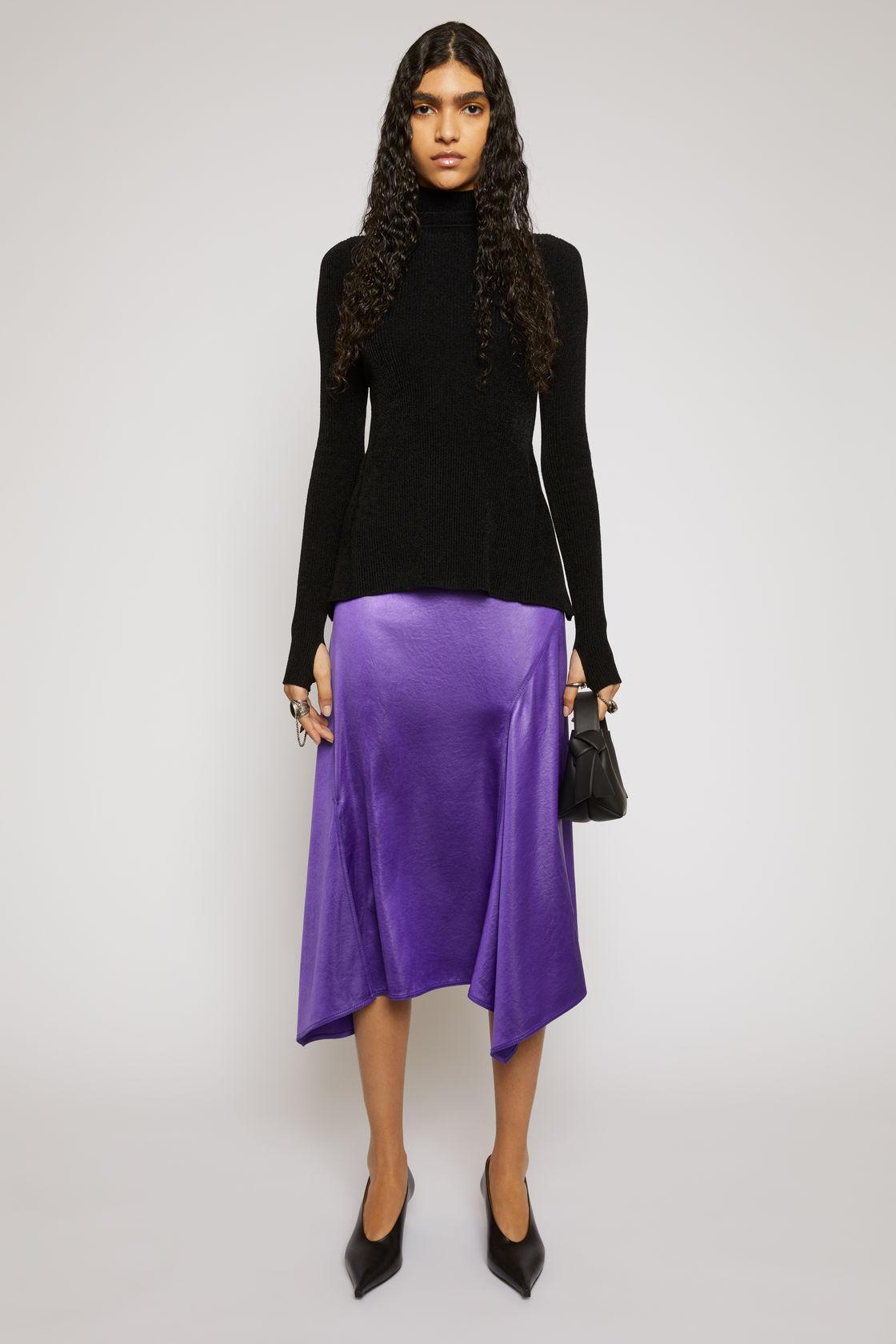 Bias-cut satin skirt electric purple, за 785лв.