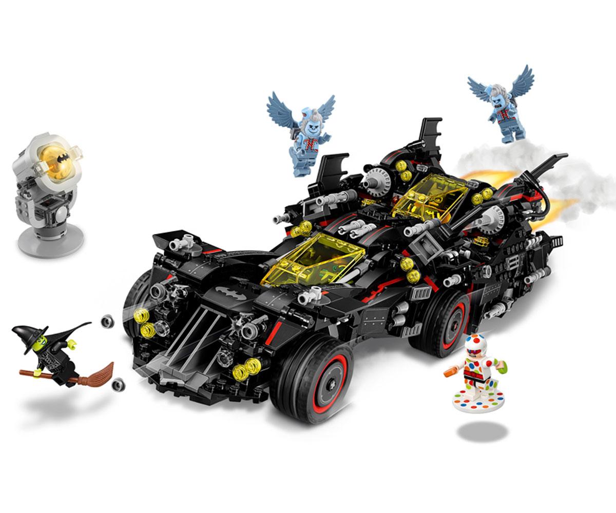 LEGO Batman movie Върховният батмобил е една от най-търсените играчки в момента.