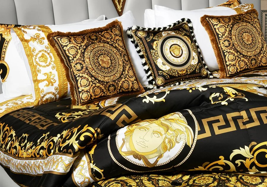 Царственo Versace спално бельо за сладки сънища. Цена: 1540лв