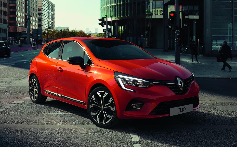 Renault Clio Новото Clio не е за дома, то самото е дом. Който си го вземе, ще има две къщички, като оранжевата е топла, супер удобна, великолепно оборудвана и нежно приласкаваща. Стартова цена 23 990 лева.