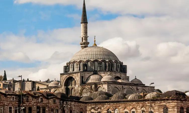 Джамията на Рустем Паша
