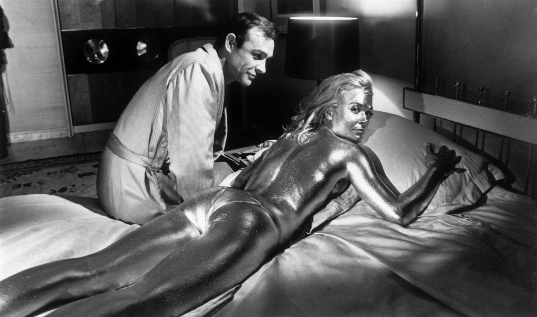 Шон Конъри и Шърли Ийтън по време на снимките на Goldfinger, 1962