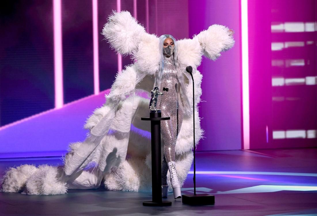 Лейди Гага в Candice Cuoco