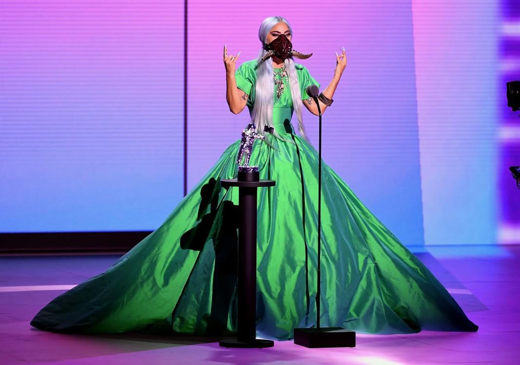 Лейди Гага с рокля на Christopher John Rogers