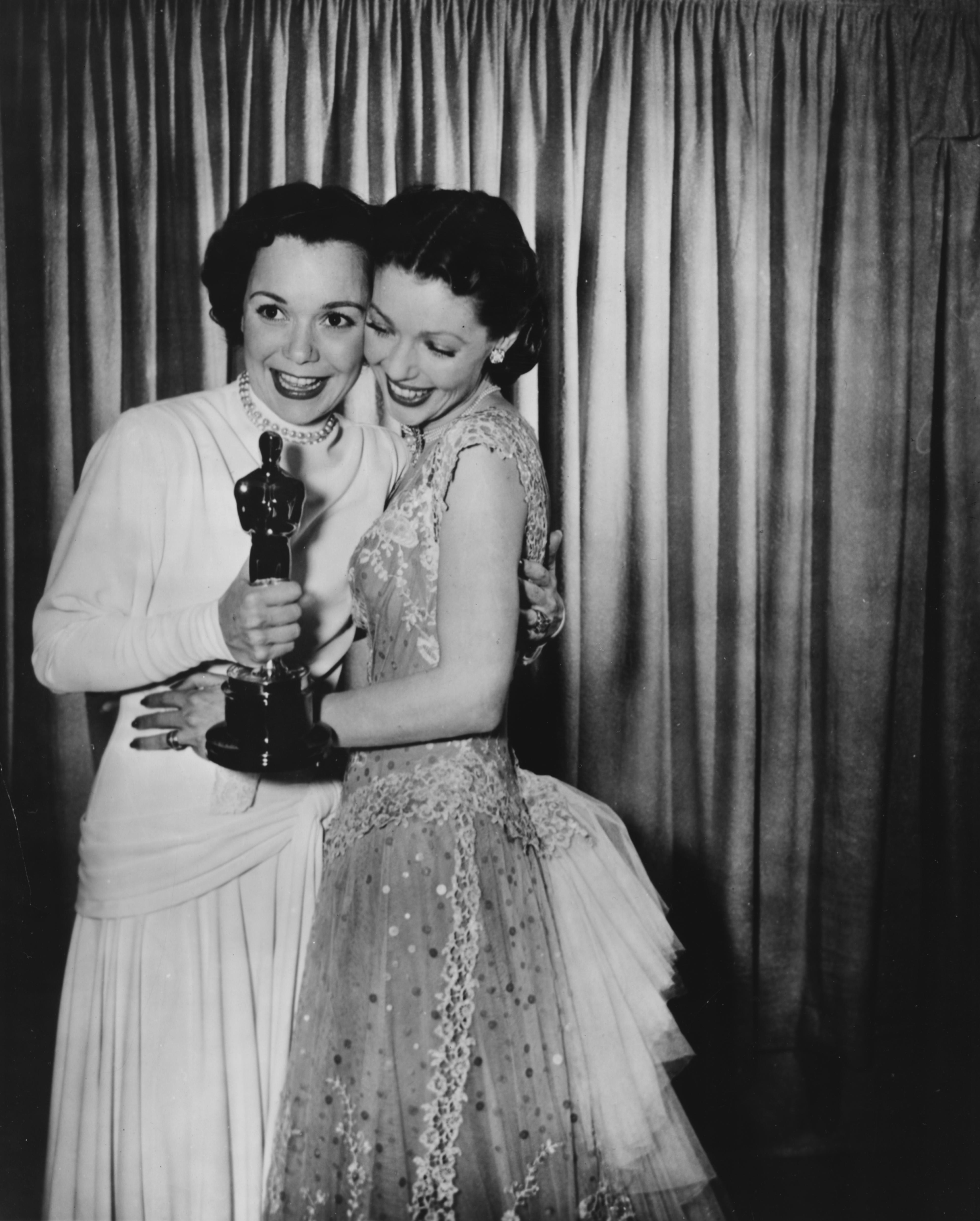 Лорета Йънг и Джейн Уаймън, 1949
