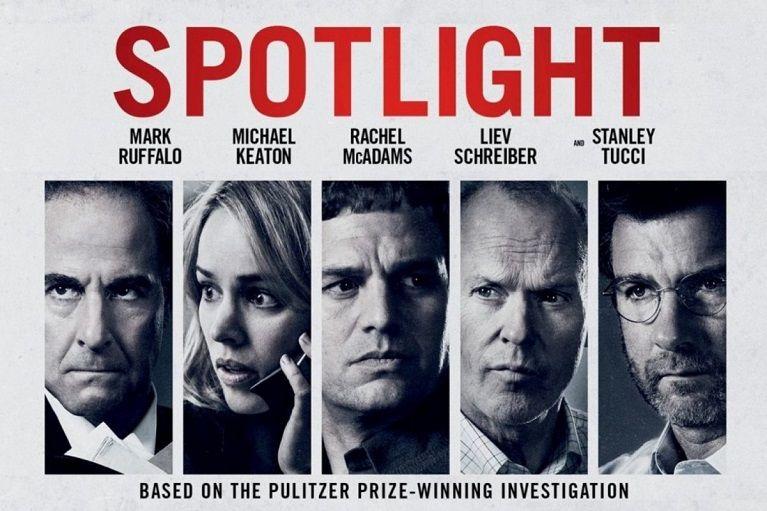 """""""Спотлайт"""" (2015) Филмът разказва за работата на екипа на рубриката за разследваща журналистика """"Спотлайт"""" във вестник """"Бостън Глоуб"""". През 2002 г. той публикува разследване относно дългогодишно прикриване от страна на католическата църква на сексуални посегателства над деца в района на град Бостън."""