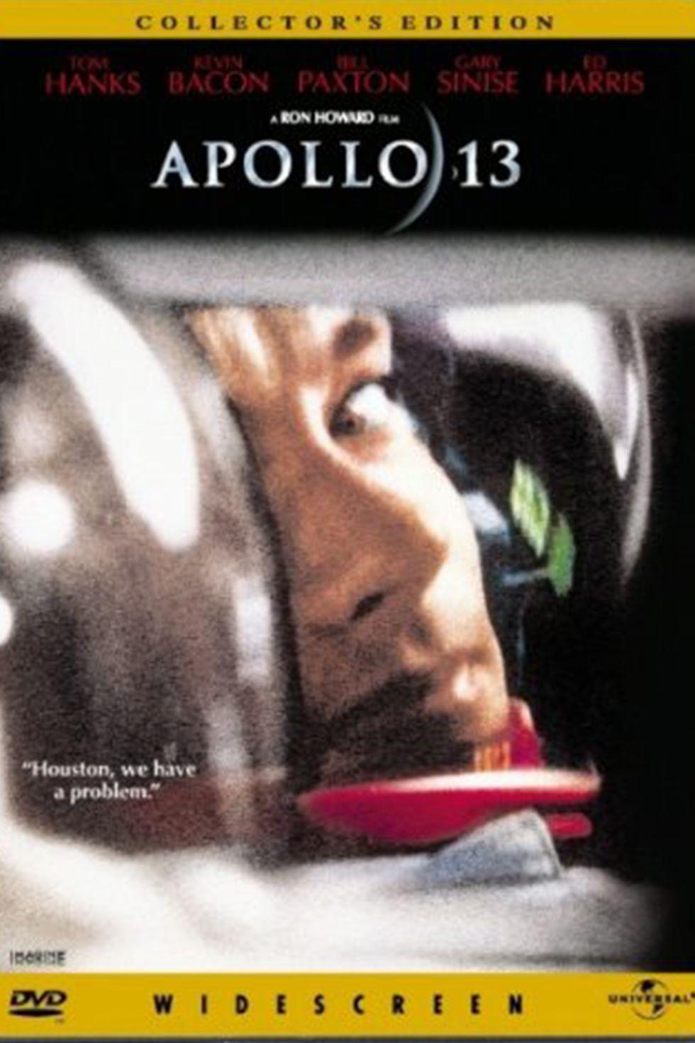 """""""Аполо 13"""" (1995) Филмът """"Аполо 13"""" е за едноименния космически кораб от """"лунната мисия"""" на НАСА през 1970 г., който претърпява авария. Лентата на Рон Хауърд проследява действията на тримата астронавти на борда, които отчаяно се опитват да върнат кораба си в земната орбита, след повреда в единия от кислородните резервоари. И успяват! Наистина уникална история от реалния живот и уникално пресъздаване. Именно от този филм е и легендарната реплика """"Хюстън, имаме проблем!"""", която заживя свой собствен живот. С нея астронавтите докладват на контролния център на НАСА в Тексас, че корабът се е повредил."""