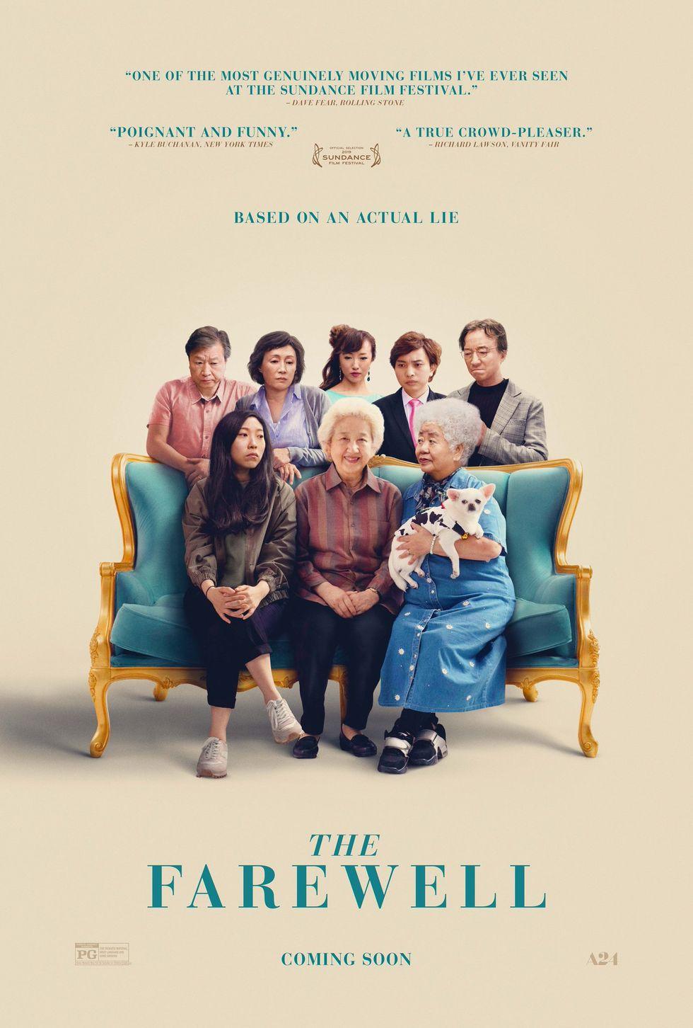 """""""Сбогуването""""  (2019) В """"Сбогуването"""" китайската писателка и режисьор Лулу Уанг описва своята история: когато разбира, че баба й е тежко болна и й остават няколко седмици живот, тя и цялото й семейство се събират, за да бъдат с нея в последните й дни на земята. Проблемът е, че бабата не знае, че е болна. Драма, но с много комедийни елементи, филмът е едновременно освежаващ и наистина дълбок."""