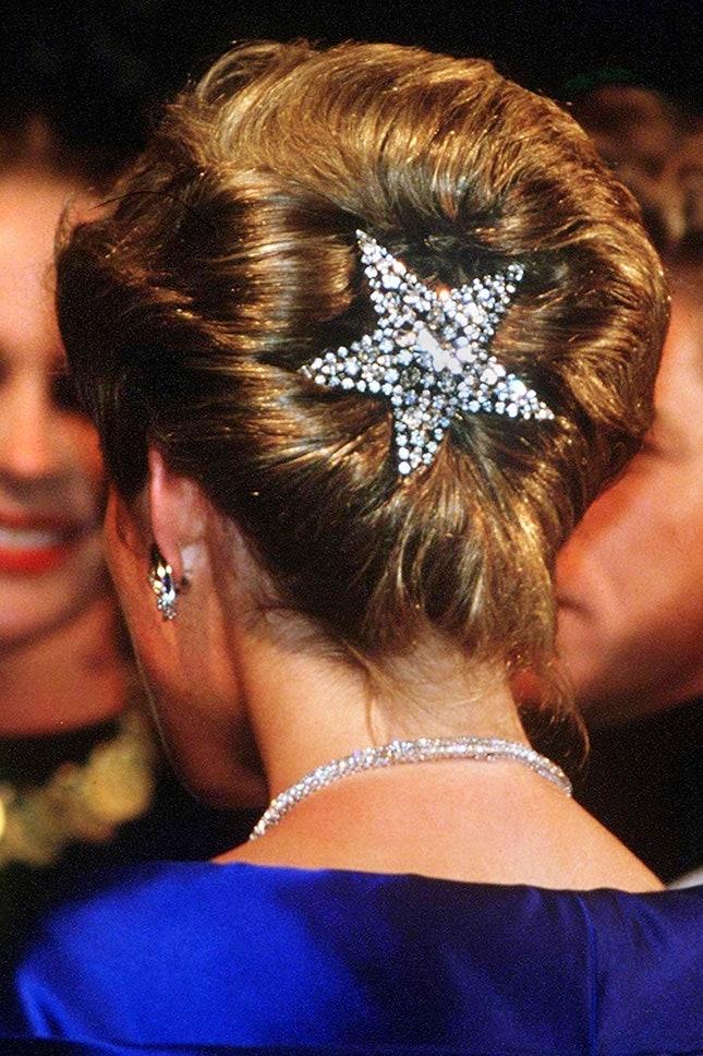 Принцеса Даяна с щипка за коса на Бътлър и Уилсън, 1988 г.