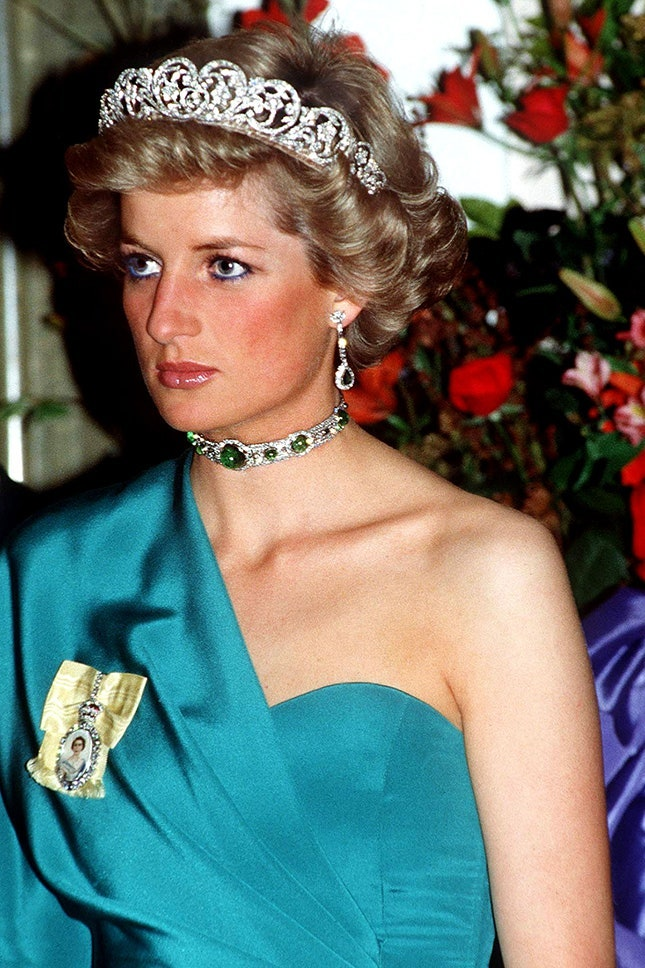 Принцеса Даяна с изумруден чоукър с диаманти и диадема от семейство Спенсър, 1988 г.