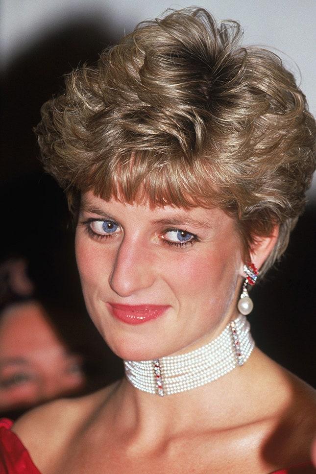 Принцеса Даяна с перлен чоукър на 11 нива, 1991 г.