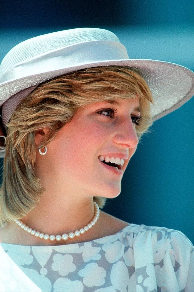 Принцеса Даяна с перлено колие, 1983 г