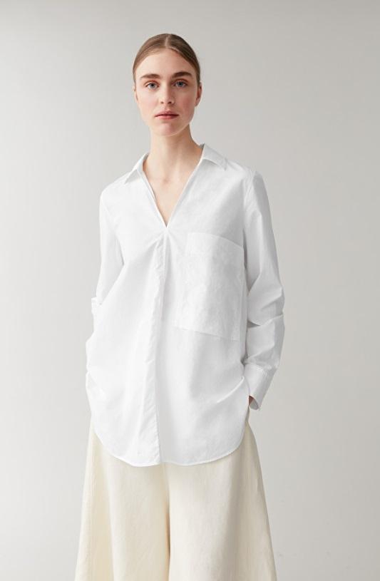 Риза Cos от 130 на 70 лв.