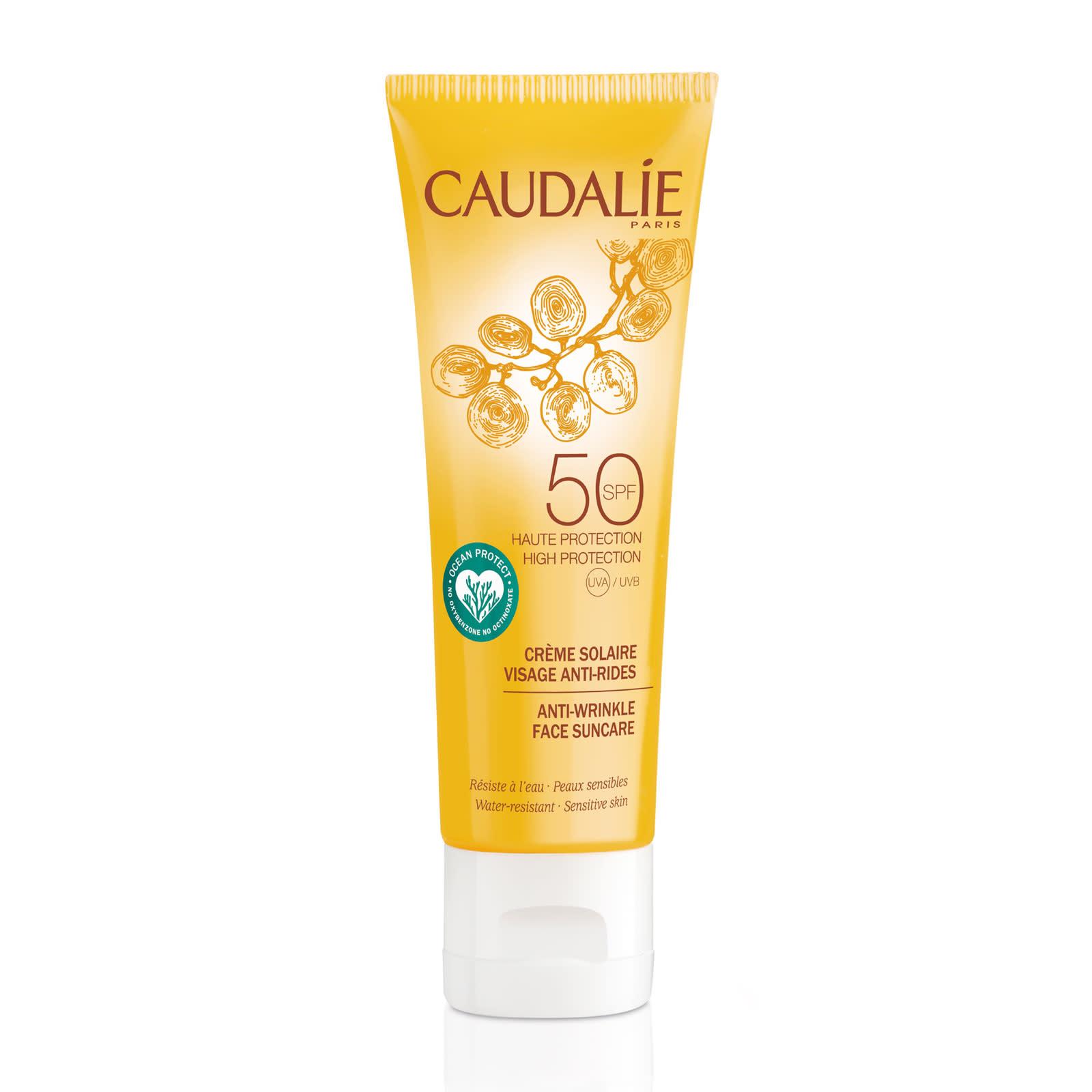 Caudalie Anti-Wrinkle Face Suncare SPF50 32 лв. Кремът против бръчки с висока слънчева защита не просто предпазва кожата, но и я хидратира в дълбочина, без да оставя мазен филм.
