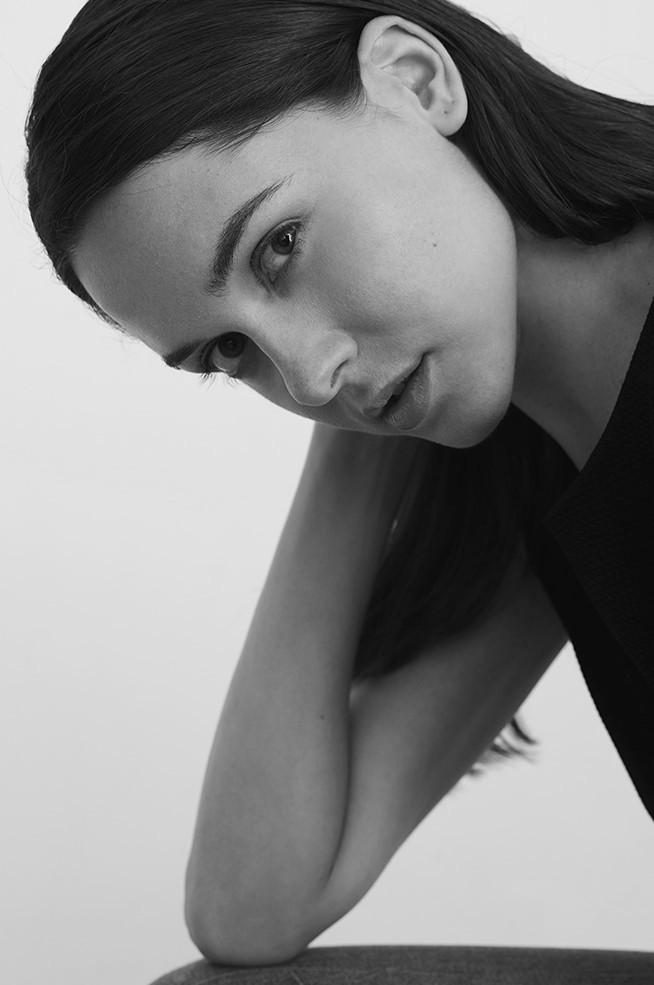 Анна Георгиева  Анна е страхотно красива дама, с която обичаме да снимаме, но повече обичаме да се радваме на хубостта й. Професионален модел, изключително светла и усмихната, типично по български красива. Виждаме я често във фотосесии на модни брандове, а от днес и в класацията ни за най-красиви българи, защото чарът и професионализмът са трайно постижение! Анна е модел на Intermodels. Сн.: Inter Model's