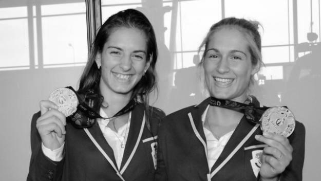 Стефани и Габриела Стоеви Две хубави сестри, посветени на бадминтона - Стефани и Габриела Стоеви! Един тандем и в живота, и на спортния терен. Тази година е изключително успешна за тях. Извоюваха титлата на големия турнир по бадминтон от сериите Супер 100 в Саарбрюкен, Германия. Освен това, прекрасните българки запазват 15-тото си място в световната ранглиста. Няма как да не се гордеем и да не ги обичаме! Пък и са толкова сладки…дерзайте, момичета! Сн.: Gol