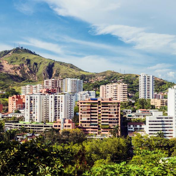 Кали, Колумбия Световната салса-столица не само предлага музика, танци и забава, богатото афро-колумбийско наследство гарантира на града и отличителната му caleño култура.